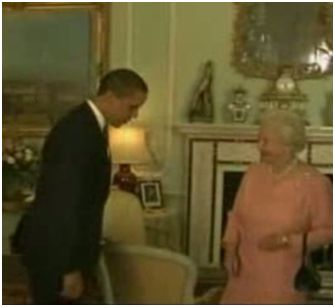ObamabowstohisQueen