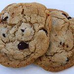 """Despite Healthy Food, Exercise Campaigns, Michelle Obama and Daughters Fond of """"Chocolate-Chunk"""" Cookies"""