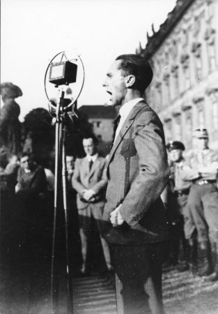 Josef-Goebbels-giving-speech-313x450.jpg