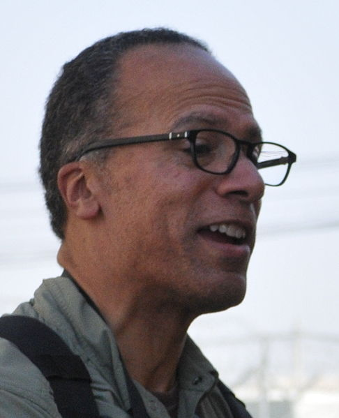 Is Lester Holt Simply Stupid or Blatantly Biased?