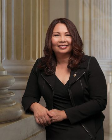 Tammy-Duckworth-Wiki-360x450.jpg