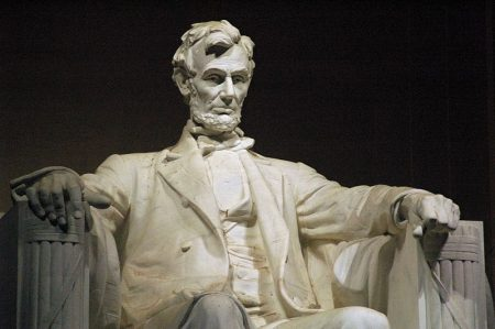 Close-up-Lincoln-Memorial-450x299.jpg