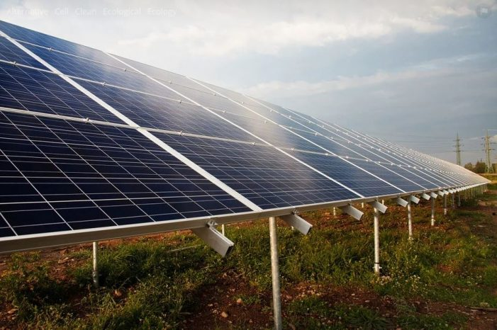 Solar Panels Generate Mountains of Waste